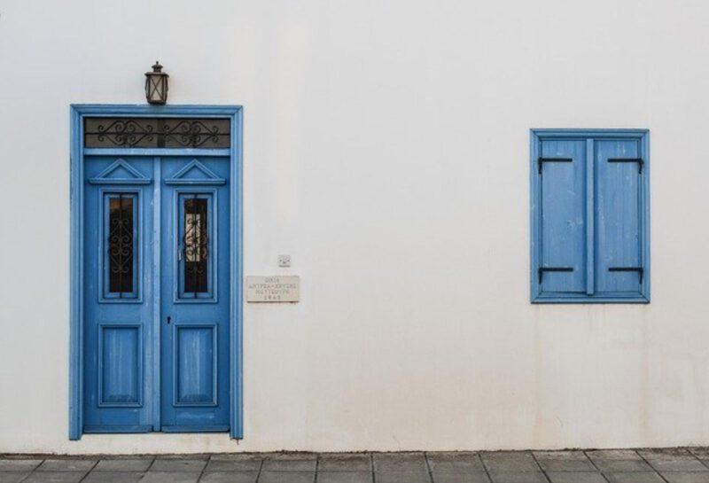 Dezynfekcja klamek u drzwi