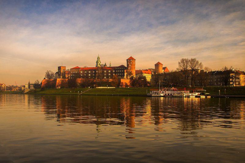 Kraków – mieszkanie w centrum czy na obrzeżach?